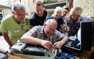 Une société en transition ? «Repair Café» répare vos objets gratuitement !